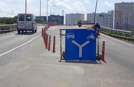Hạn chế xe để sửa cầu vượt Nguyễn Hữu Cảnh - ảnh 3
