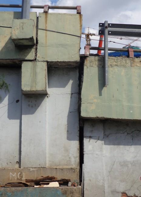Hạn chế xe để sửa cầu vượt Nguyễn Hữu Cảnh - ảnh 9