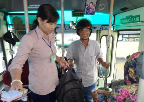 Dạy cách giảm stress cho lái xe, tiếp viên xe buýt - ảnh 1