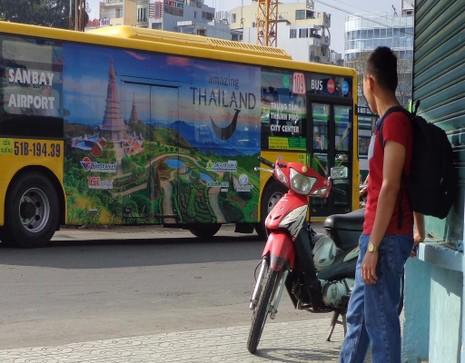 quảng cáo du lịch trên xe bus