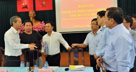 Phó Chủ tịch TP.HCM yêu cầu điều chỉnh barie vỉa hè - ảnh 2