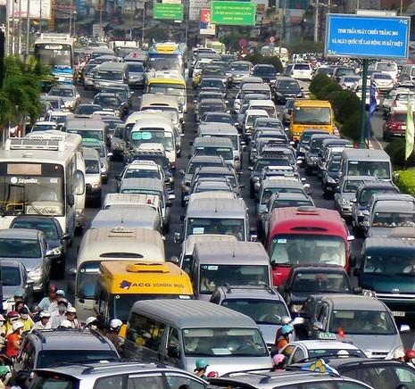 TP.HCM lên phương án hạn chế ô tô cá nhân - ảnh 2