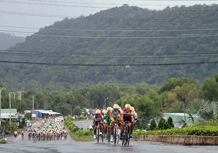 Lê Văn Duẩn thắng chặng khai mạc giải đua xe đạp đồng bằng sông Cửu Long 2016 - ảnh 2