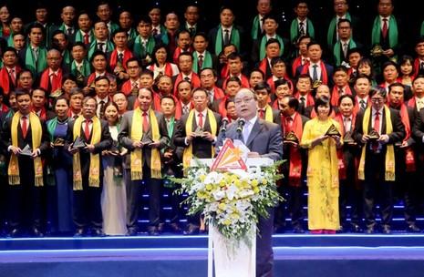 Phó thủ tướng trao giải thưởng Sao vàng đất Việt 2015 - ảnh 2