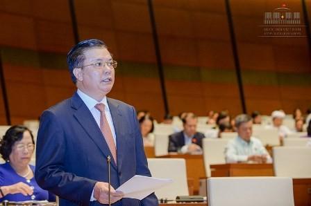 Chủ tịch QH liên tục ngắt lời bộ trưởng vì trả lời quá lan man - ảnh 1