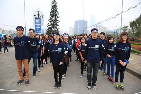 Giới trẻ Hà Nội chạy bộ, đạp xe hưởng ứng giờ Trái đất 2016 - ảnh 5
