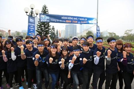 Giới trẻ Hà Nội chạy bộ, đạp xe hưởng ứng giờ Trái đất 2016 - ảnh 7