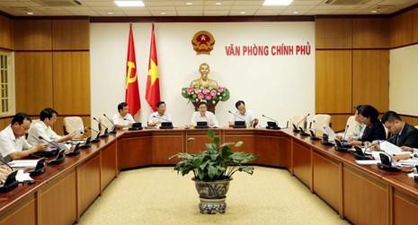 Phó Thủ tướng yêu cầu xem lại cách tính thuế nhập khẩu xăng dầu - ảnh 1
