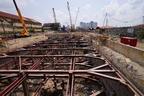 Nhộn nhịp công trường nhà ga metro ngầm Ba Son - ảnh 2