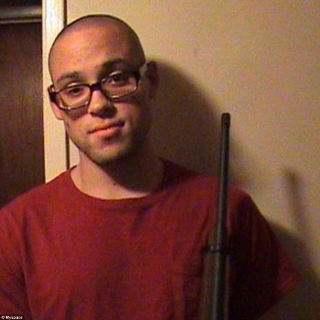 Chân dung kẻ gây ra vụ xả súng trường học Mỹ - ảnh 1