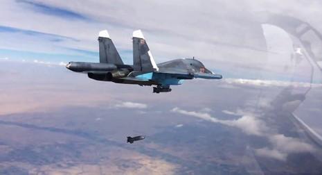 Mỹ cấm máy bay nước mình tiếp cận máy bay của Nga - ảnh 1