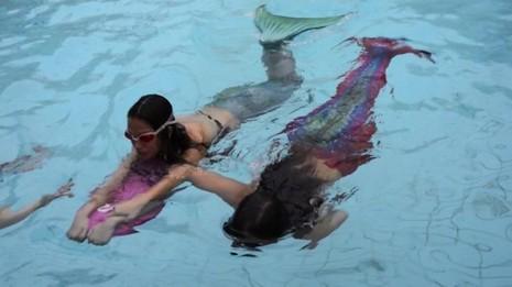 Trường dạy làm 'tiên cá' đầu tiên ở Singapore - ảnh 2