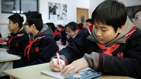 Cuộc chiến giành giáo viên lương 11 triệu USD ở Hong Kong - ảnh 2