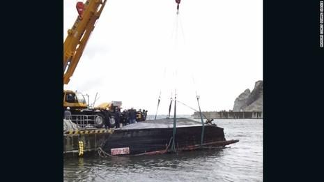 Nhật phát hiện thêm một 'tàu ma' chở 4 thi thể bí ẩn - ảnh 2