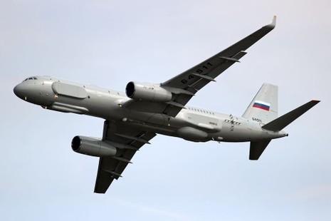 Nga lần đầu đưa máy bay do thám tới Syria không kích khủng bố - ảnh 1