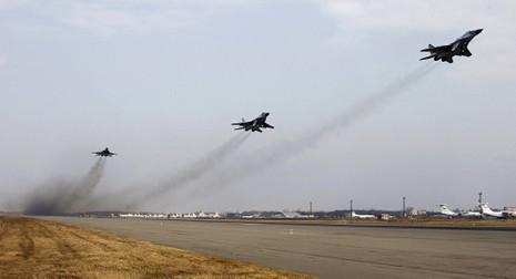 Nga bắt giữ công dân Mỹ chụp ảnh căn cứ không quân - ảnh 1