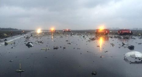 Tìm thấy 1 hộp đen của máy bay rơi ở Nga - ảnh 1