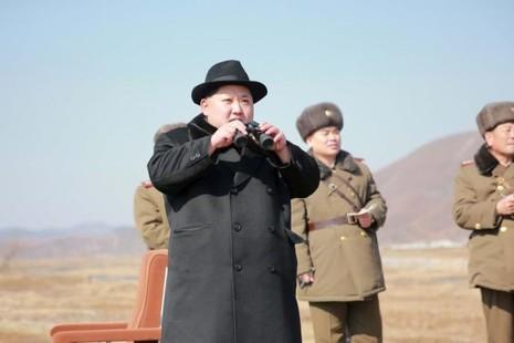 Triều Tiên lại phóng tên lửa tầm ngắn ra biển - ảnh 1