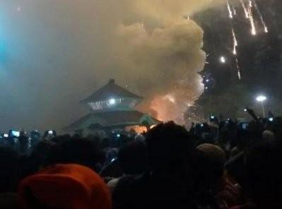 Cháy lớn tại đền thờ Ấn Độ: Ít nhất 77 người thiệt mạng - ảnh 1