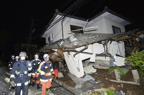 Động đất dữ dội tại Nhật: 9 người chết, gần 900 người bị thương - ảnh 2