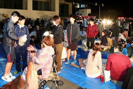 Động đất dữ dội tại Nhật: 9 người chết, gần 900 người bị thương - ảnh 1