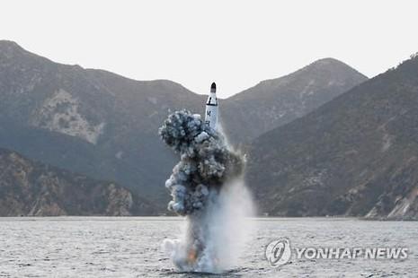 Triều Tiên có thể đóng tàu ngầm 3.000 tấn để bắn tên lửa đạn đạo - ảnh 1
