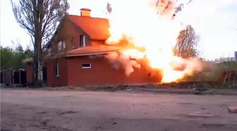 Nga cho nổ tung nhà thờ Hồi giáo chứa bom  - ảnh 1