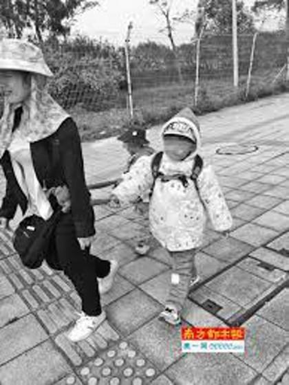 Bé 3 tuổi tử vong vì bị ép đi bộ 19 km để chữa tự kỷ - ảnh 2