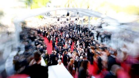Liên hoan phim Cannes: Cơ hội để gái 'bán hoa' kiếm bộn tiền - ảnh 1