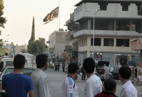 Quân chính phủ Syria ráo riết chạy đua, tái chiếm Raqqa - ảnh 2