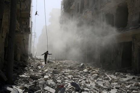 không kích Aleppo