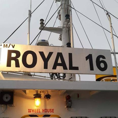 Tàu chở hàng MV Royal 16