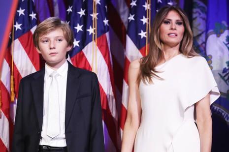 bà Melania Trump và con trai Barron