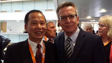 Người gốc Việt tái đắc cử vào ban lãnh đạo đảng ở Đức  - ảnh 1