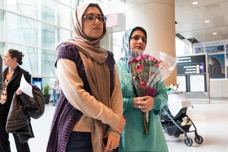 Hạnh phúc vỡ òa vì sắc lệnh nhập cư của Trump bị bác - ảnh 5