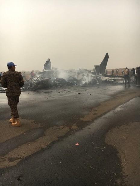 49 người may mắn thoát chết dù máy bay bị thiêu rụi - ảnh 3