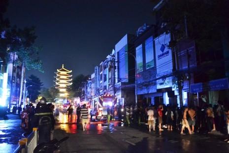 Cháy tiệm ảnh cưới ở trung tâm Sài Gòn - ảnh 2