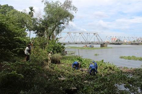 Thi thể người phụ nữ trôi trên sông Sài Gòn - ảnh 1