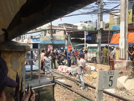 Bị tàu tông tử vong khi cố chui qua hàng rào sát đường sắt - ảnh 2