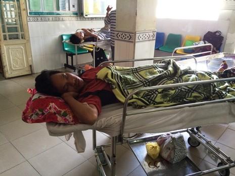 Nạn nhân bị công an quật ngã sức khỏe tốt, dự kiến xuất viện sớm - ảnh 1