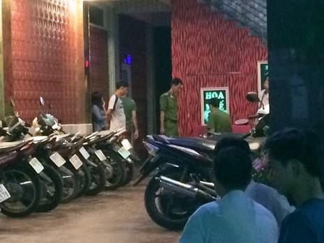 Người đàn ông bị đâm chết trong quán karaoke - ảnh 1