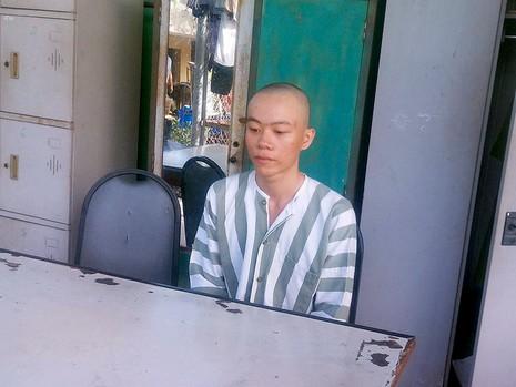 Nam thanh niên mua súng điện dao găm để cướp xe