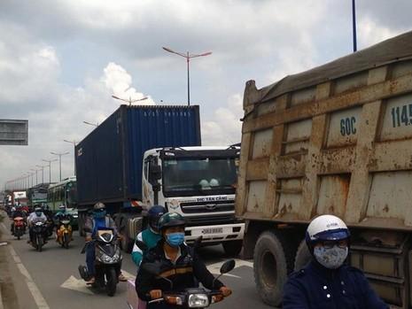 Vụ việc khiến giao thông khu vực bị ùn ứ nghiêm trọng