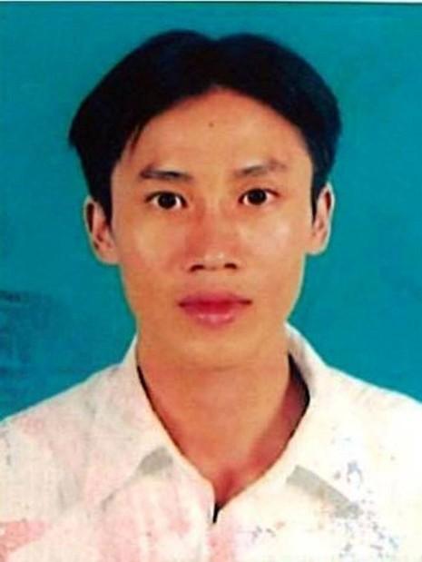 Lắm bị bắt giữ sau 2 năm lẩn trốn dưới vỏ bọc là một nhân viên sòng bài tại Campuchia