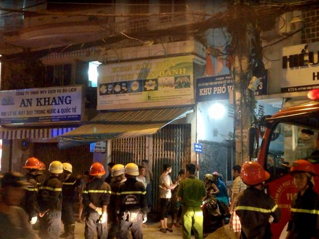 Căn nhà vắng chủ nằm trong hẻm sâu ở quận 3, TP.HCM bất ngờ phát hỏa trong đêm
