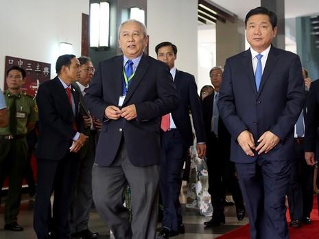 Tổng thống Pháp kết thúc 1 ngày thăm và làm việc tại TP.HCM - ảnh 13