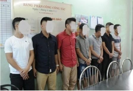 Kiểm tra quán karaoke, phát hiện 24 thanh niên đang sử dụng ma túy - ảnh 1