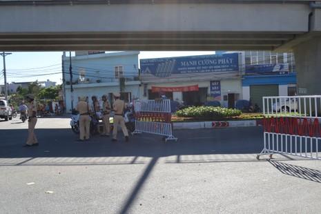 Quốc lộ 1K tê liệt vì công nhân Công ty Pouchen Việt Nam ngừng việc  - ảnh 4