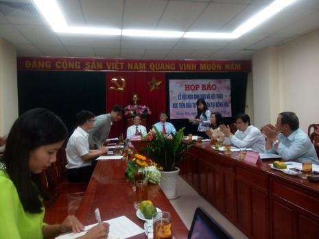 Lần đầu tiên lễ hội hoa anh đào được tổ chức tại Đồng Nai - ảnh 1