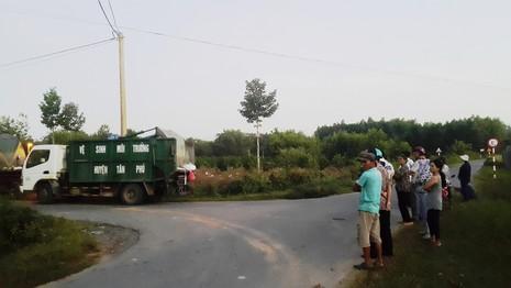 Đồng Nai: Người dân chặn xe chở rác vào nhà máy - ảnh 1